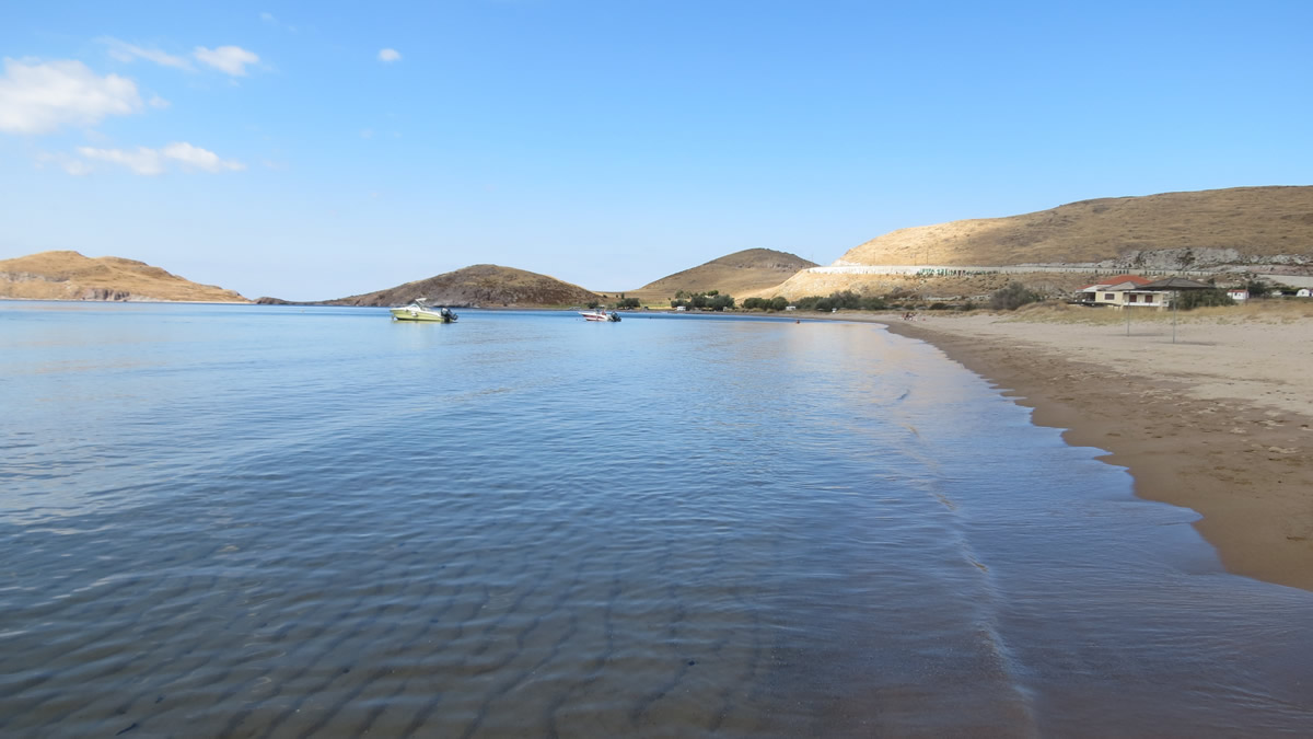BIG BEACH WITH SAND