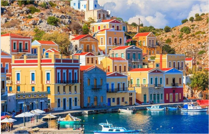 ISLAND WITH COLORED HOUSES